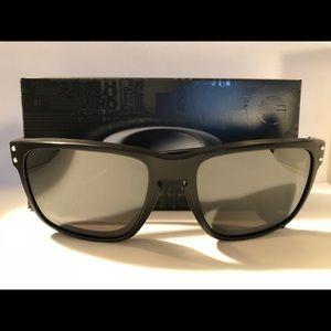 Oakley Men's Black Matte Holbrook Sunglasses